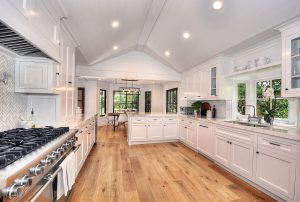 This Laguna Niguel listing by Remax features top end kitchen appliances and finishes.