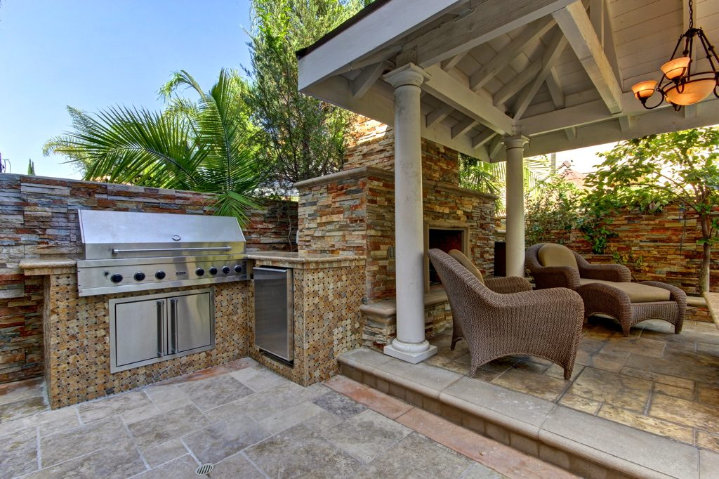Backyard amenities prove a strong selling point in summer.