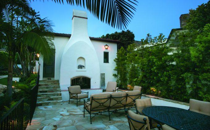 989 Cliff_Laguna Beach – Courtyard